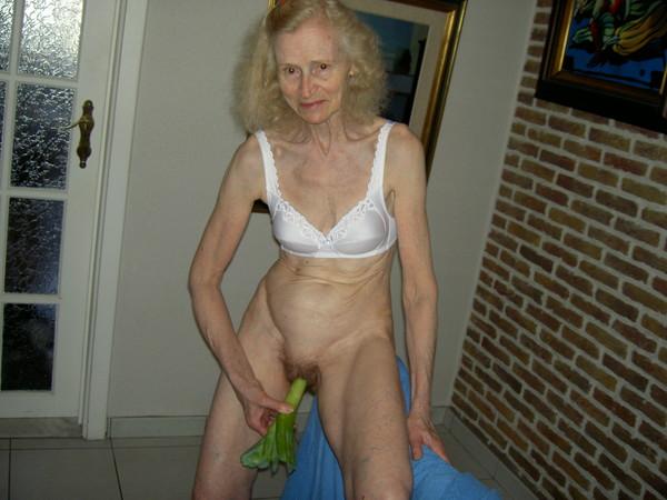 Vieille dame de 61 ans tres sexy 2 by clessemperor - 2 part 5